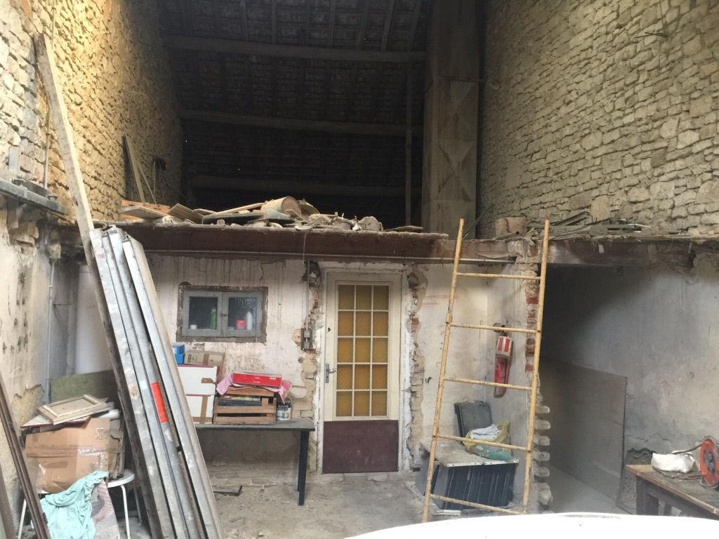 Bâtiment de stockage et grange - Axe Verdun-Metz
