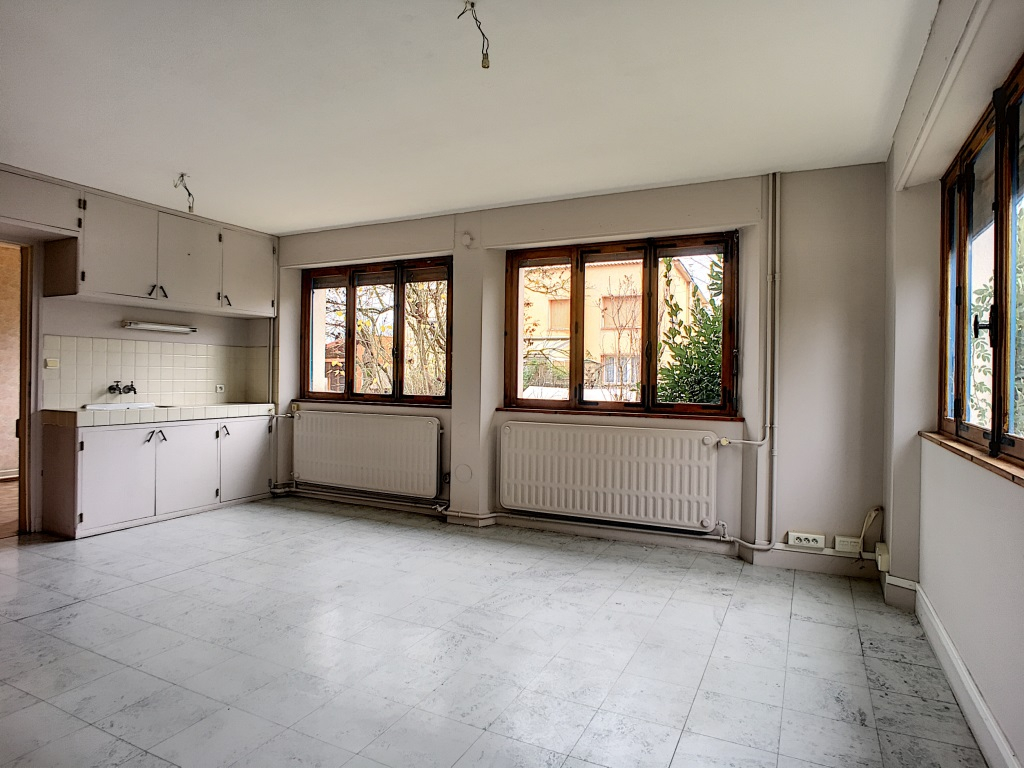 A vendre Immeuble COMMERCY 208m² 10 piéces