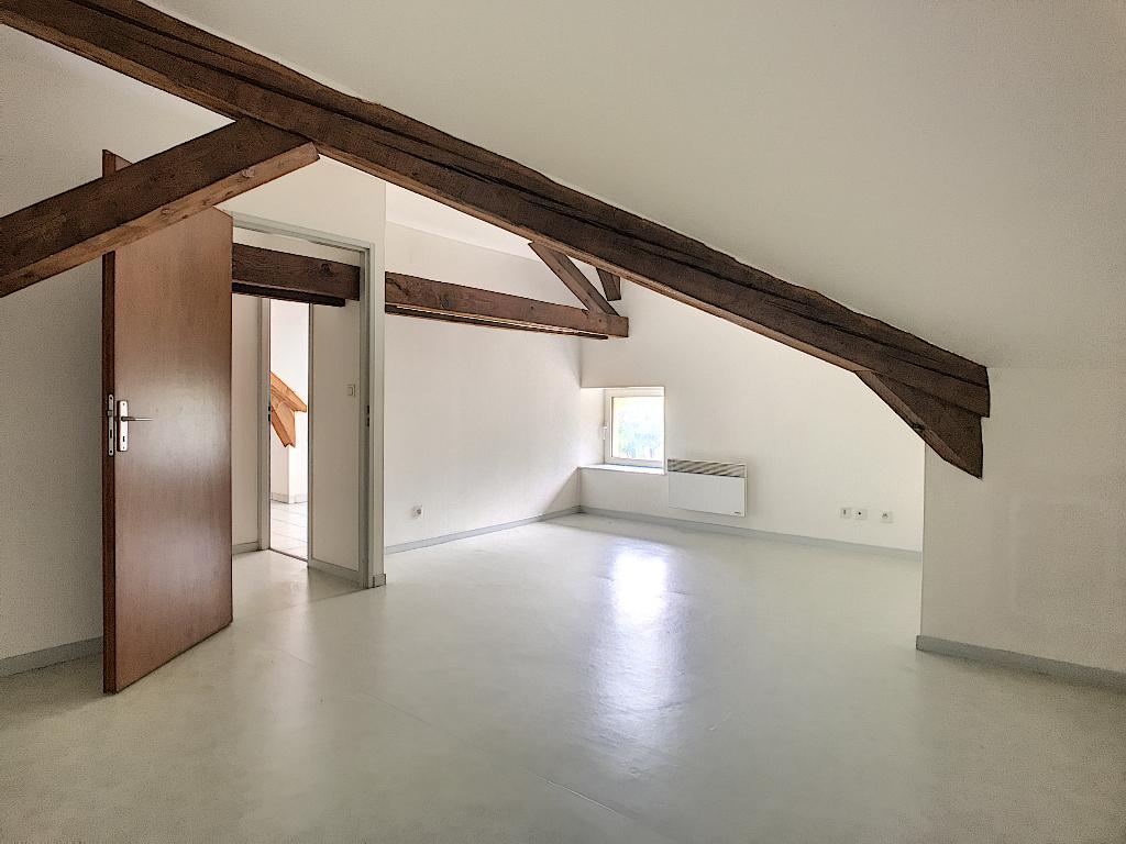 A louer Appartement VIGNEULLES LES HATTONCHATEL 4 piéces