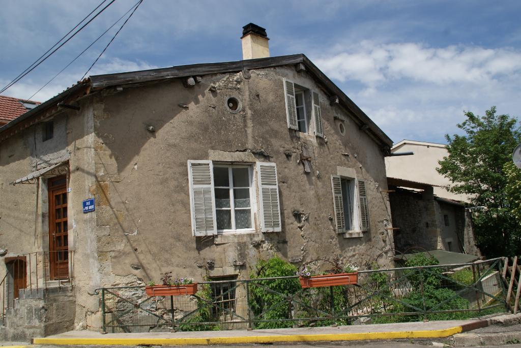 A vendre Maison NAIVES ROSIERES 61m² 25.000 3 piéces