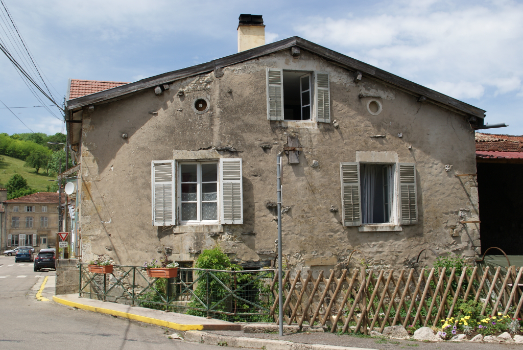 A vendre Maison NAIVES ROSIERES 25.000
