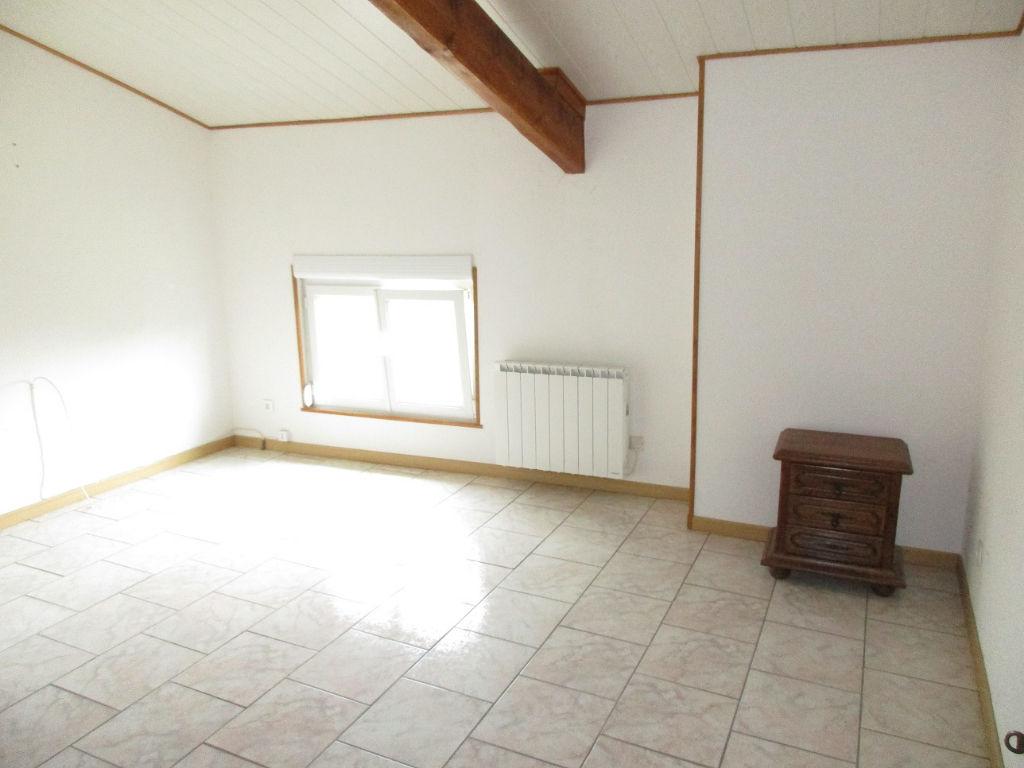 A vendre Maison SAUVIGNY 163m² 118.000 8 piéces
