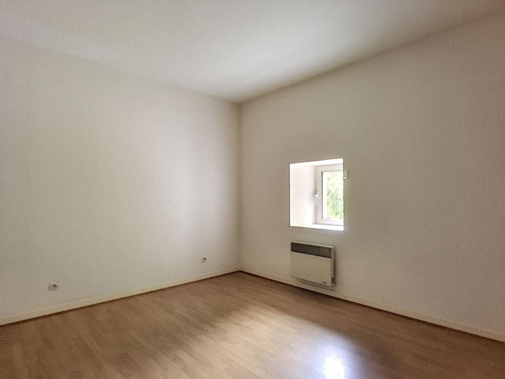 A louer Appartement VIGNEULLES LES HATTONCHATEL 90m² 400