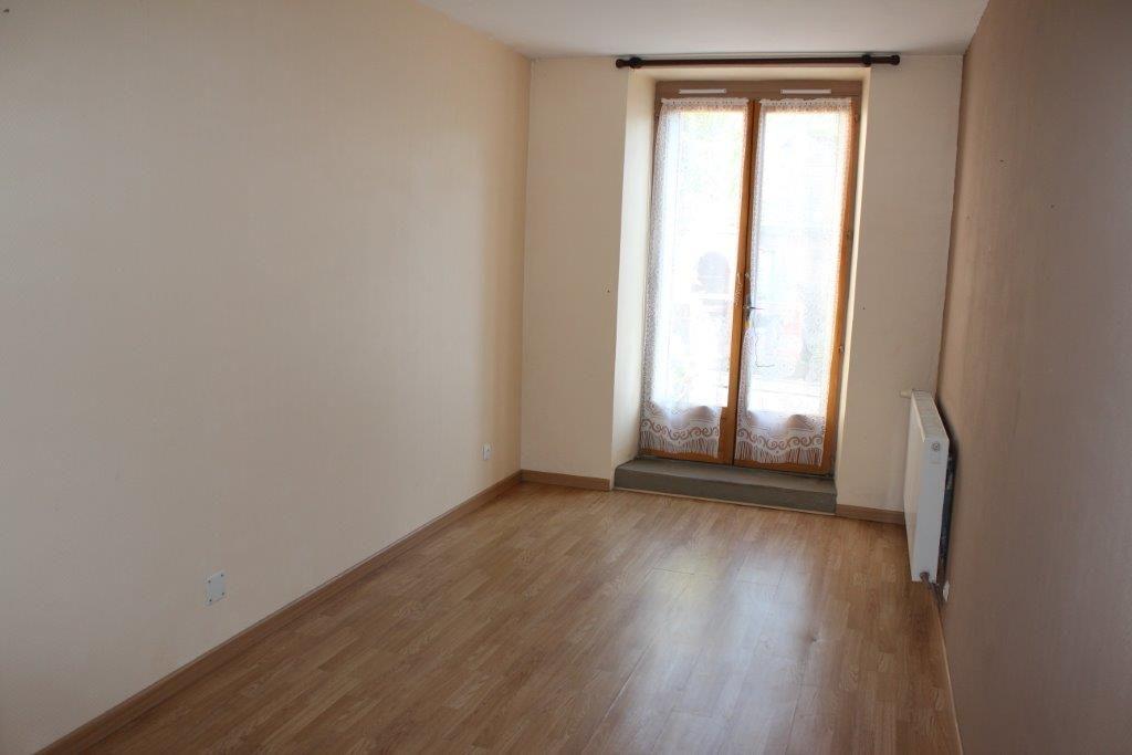 A vendre Maison SAINT JOIRE 87m² 68.000