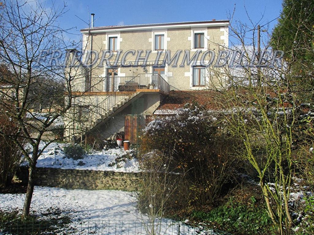 A vendre Maison PAGNY SUR MEUSE 174m² 165.000 7 piéces