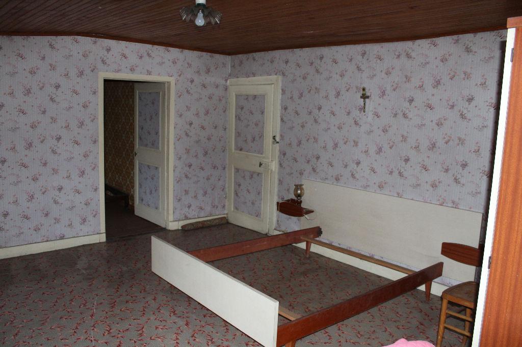 A vendre Maison RAMBLUZIN ET BENOITE VAUX 160m² 39.500 7 piéces