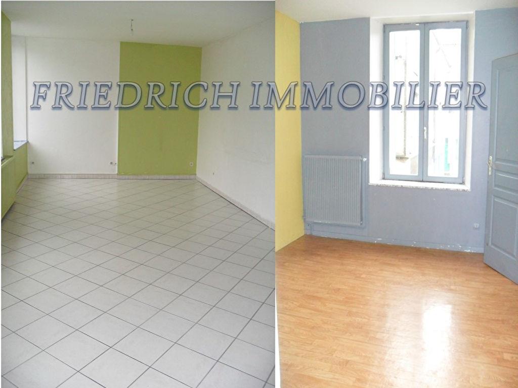 Appartement F4  au 1er étage en centre ville - Commercy