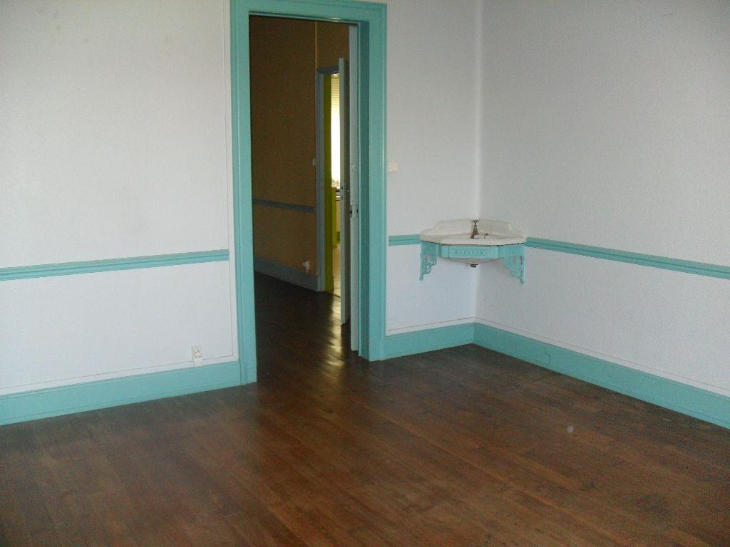 A louer Appartement COMMERCY 100m² 450 4 piéces