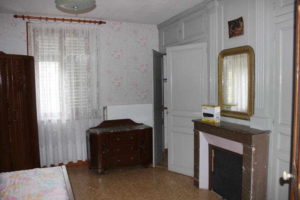 A vendre Maison AILLY SUR MEUSE   piéces