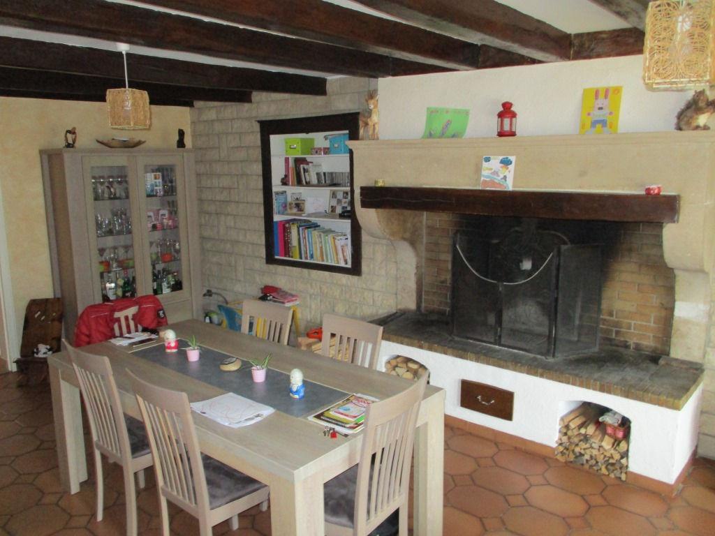 Maison de village rénovée - GEVILLE
