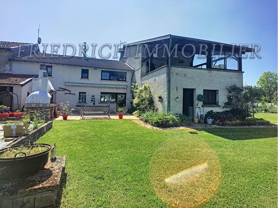 A vendre Maison CHAMPOUGNY 165.000 9 piéces