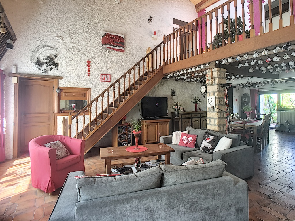 A vendre Maison CHAMPOUGNY 258m²