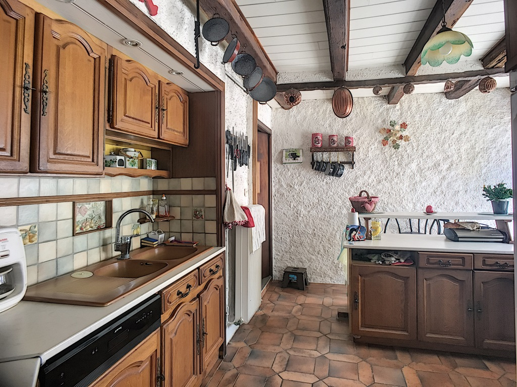 A vendre Maison CHAMPOUGNY 9 piéces