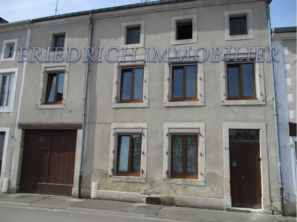 A vendre Maison GONDRECOURT LE CHATEAU 112m² 39.000 5 piéces