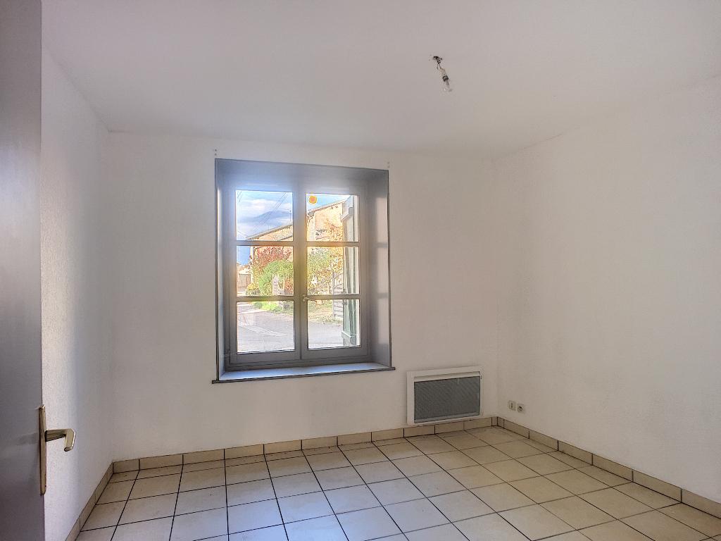 A louer Appartement SORCY SAINT MARTIN 290