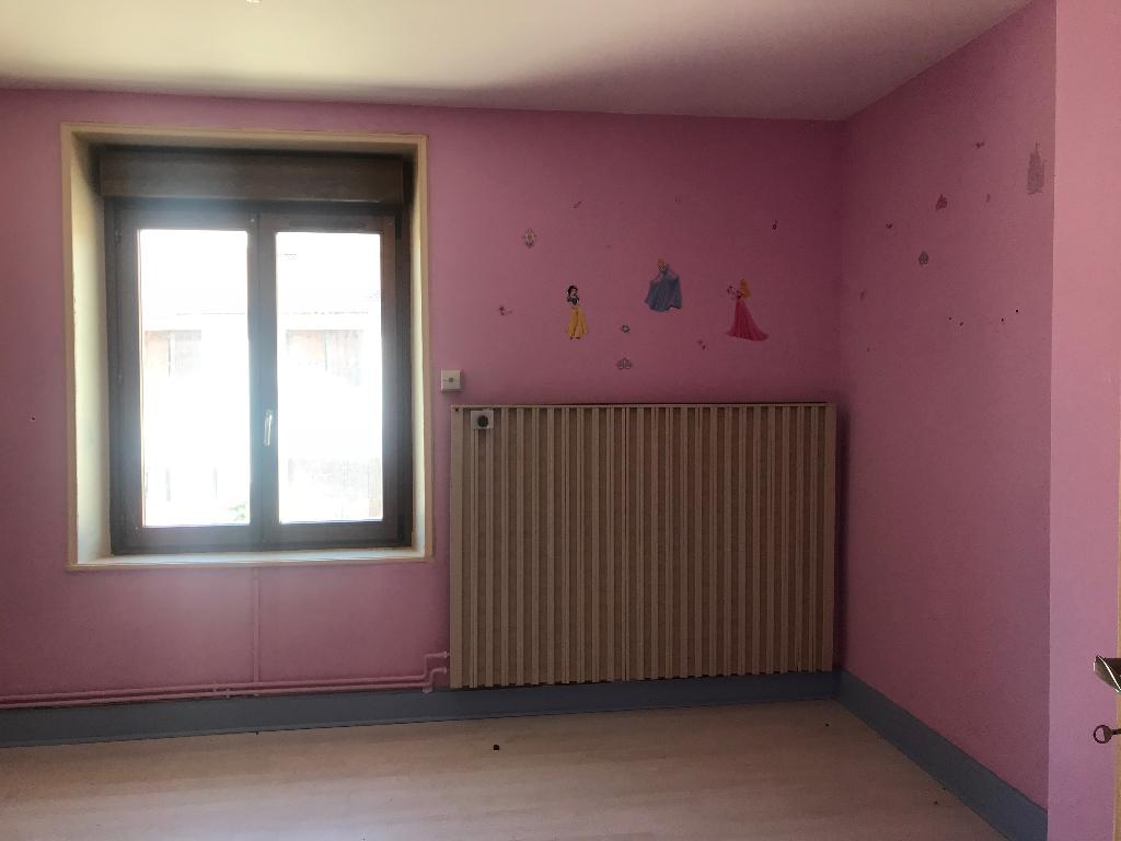 A vendre Maison FRESNES AU MONT 160m² 88.000 5 piéces