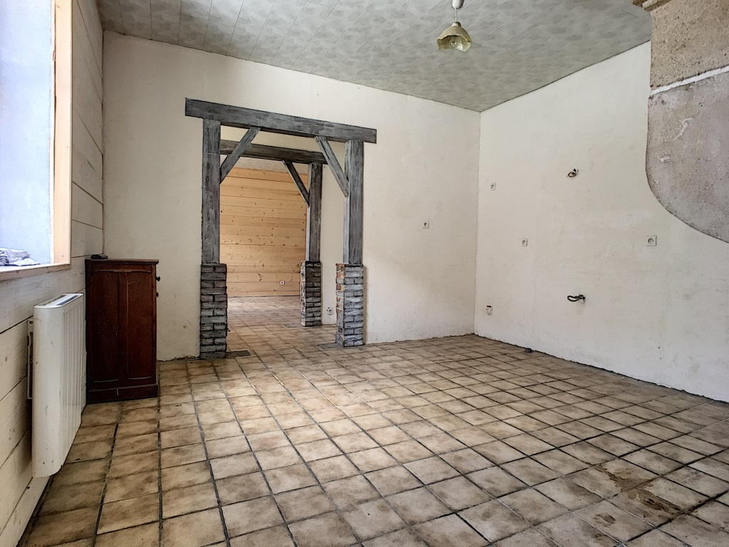A vendre Maison HAN SUR MEUSE 45.000 4 piéces