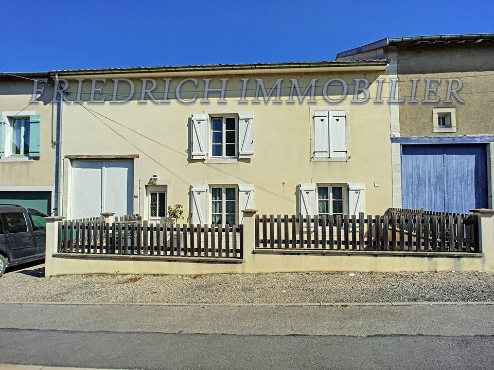 Maison de village F4 entèrement rénovée-SAMPIGNY