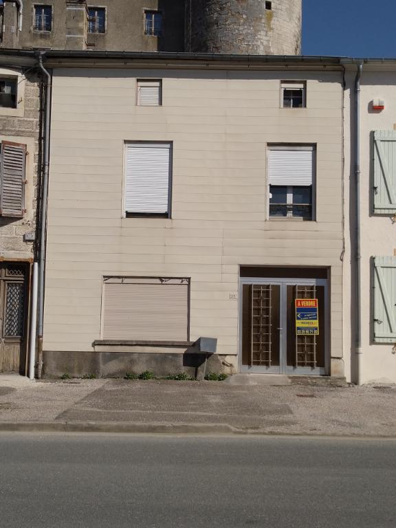 A vendre Maison GONDRECOURT LE CHATEAU 109.46m² 15.000 5 piéces