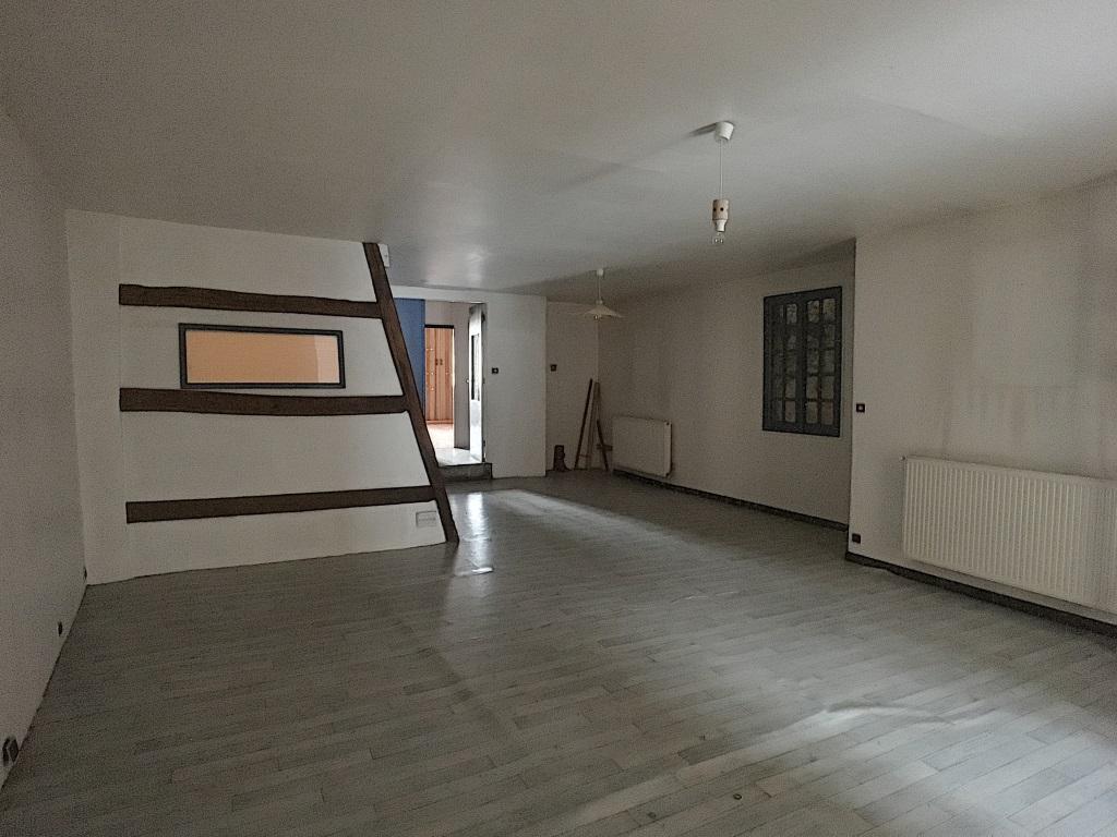 A vendre Maison VERTUZEY 66.000 8 piéces