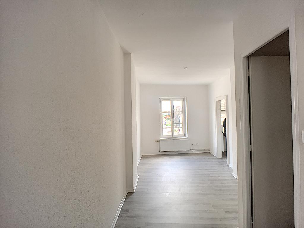 A louer Appartement COMMERCY 80m² 400 4 piéces