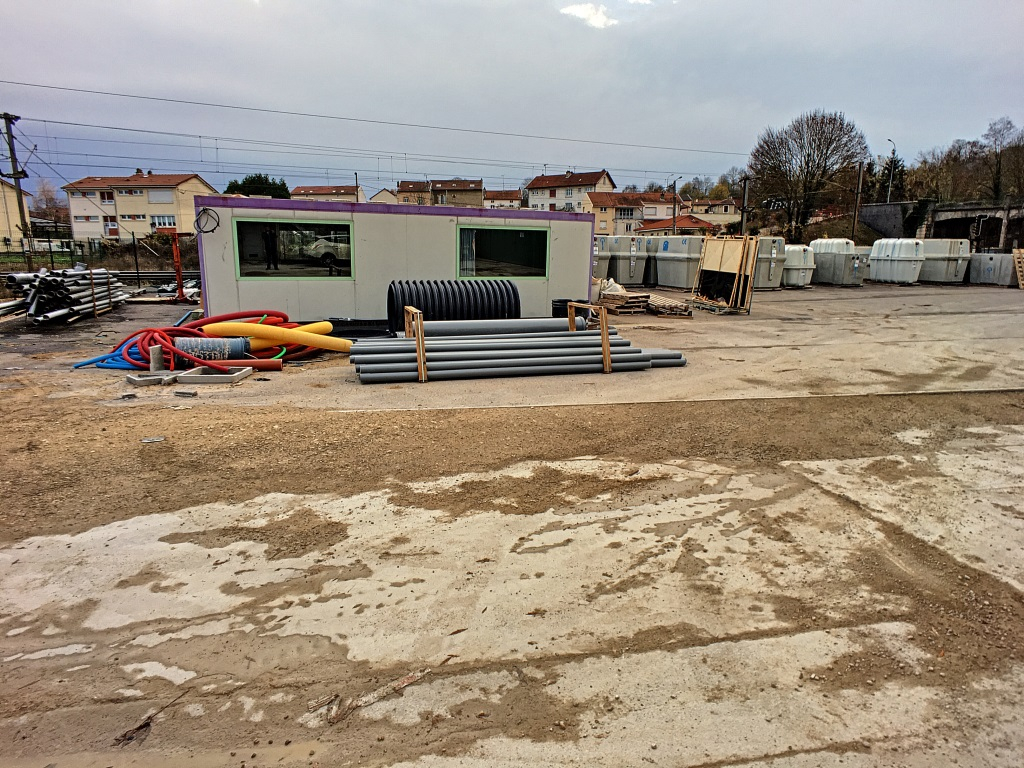 BATIMENTS INDUSTRIELS A USAGE DE STOCKAGE - COMMERCY