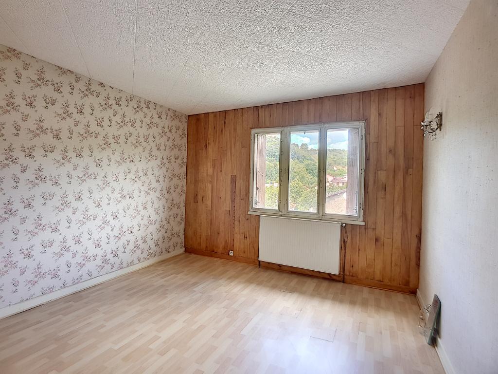 A vendre Maison NAIVES ROSIERES 162.55m² 78.000 8 piéces