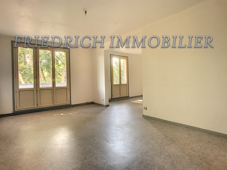 APPARTEMENT F3 - COMMERCY