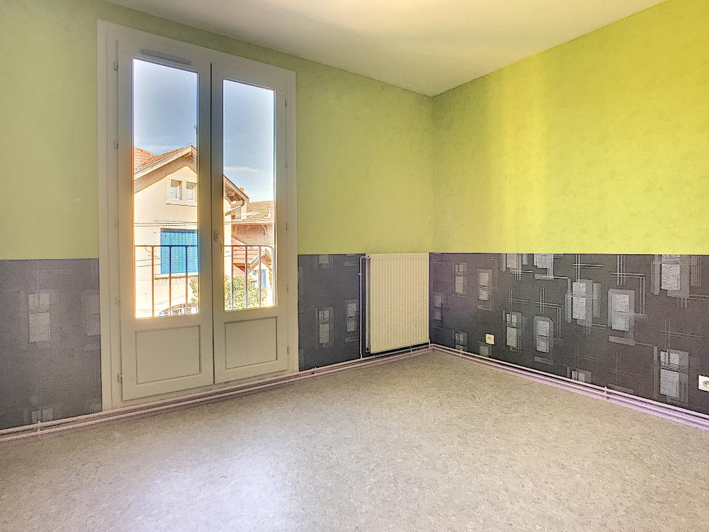 A louer Appartement COMMERCY 80m² 360 3 piéces