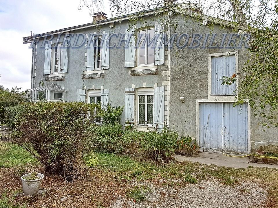 A vendre Maison GONDRECOURT LE CHATEAU 156.51m² 8 piéces