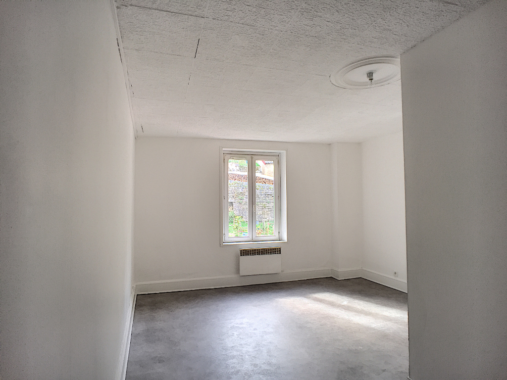 A louer Appartement LEROUVILLE 58m² 300