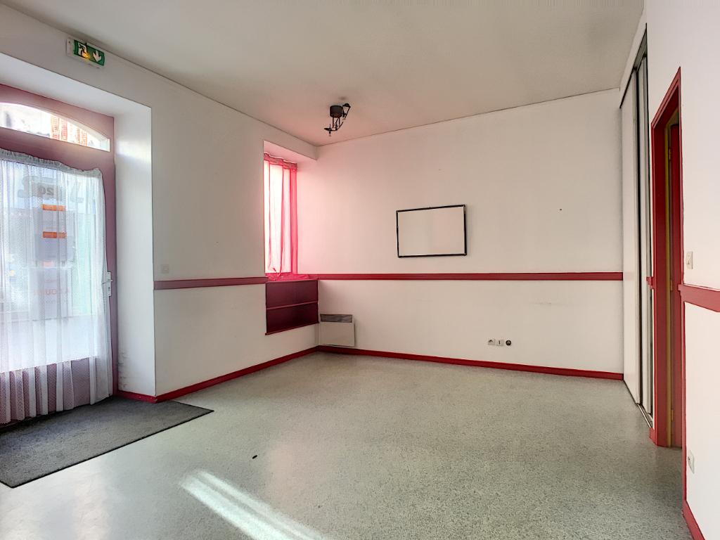IMMEUBLE DE RAPPORT EN CENTRE VILLE - COMMERCY