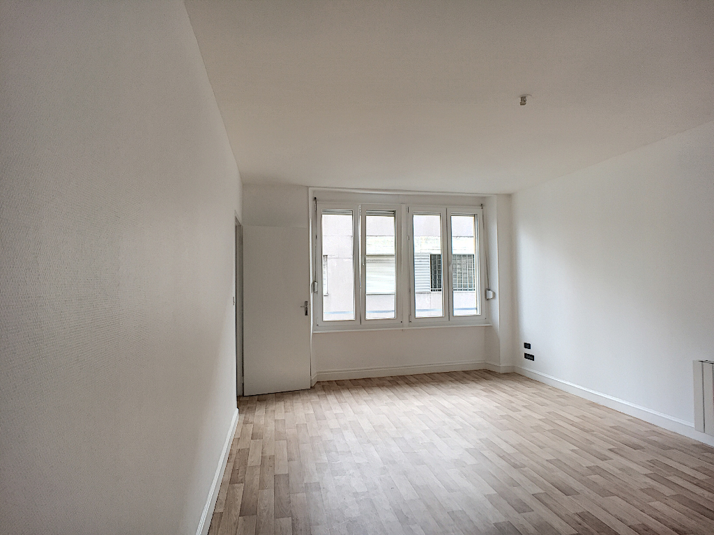 A louer Appartement COMMERCY 64m² 380