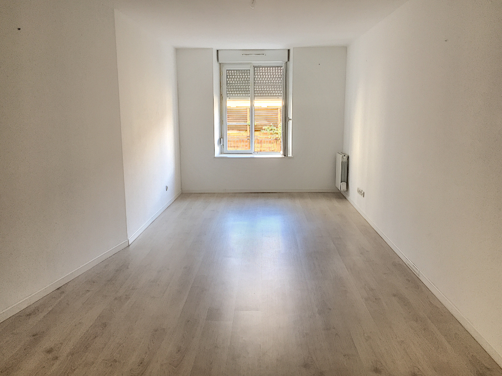 A louer Appartement LEROUVILLE 74m² 300