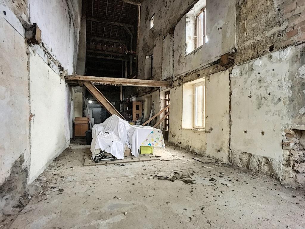 A vendre Grange SORCY ST MARTIN 216m² 1 piéces