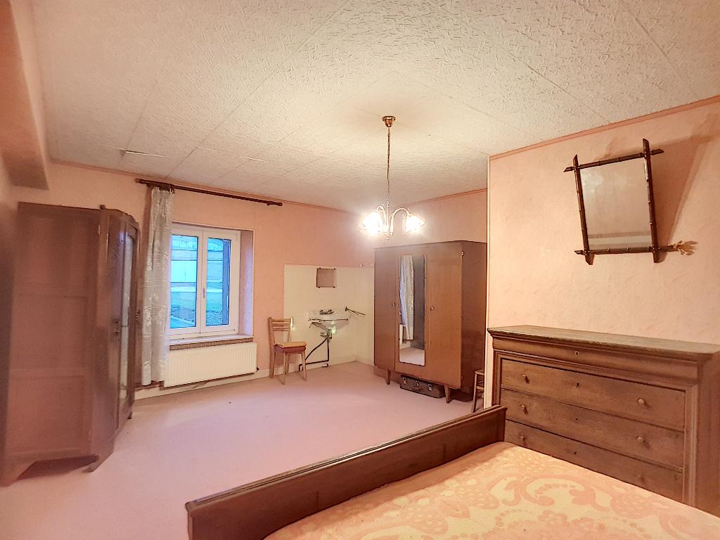 A vendre Maison SAINT JOIRE 100m² 18.000 3 piéces