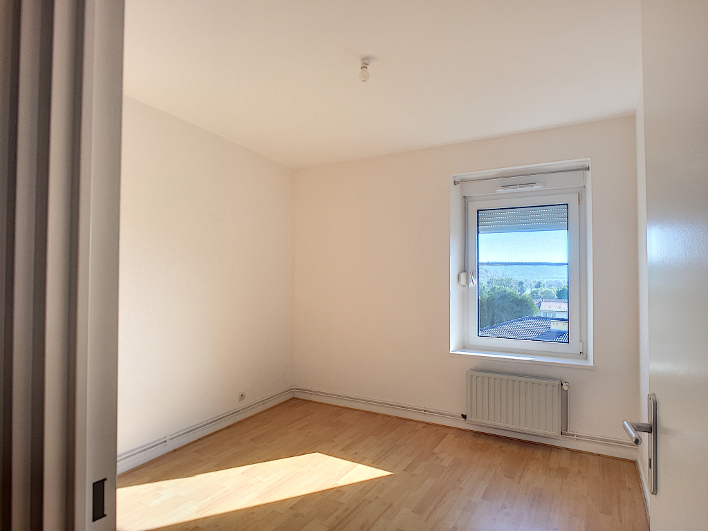 A louer Appartement COMMERCY 71m² 470