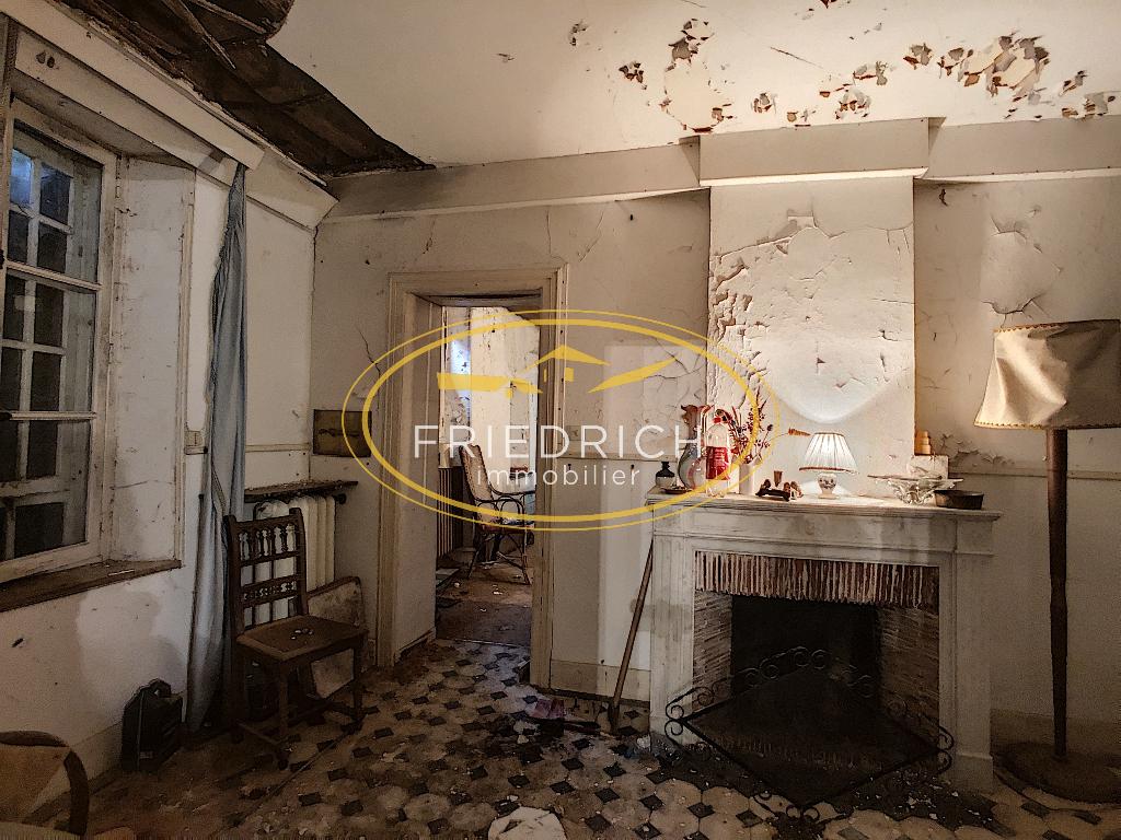 A vendre Maison LACROIX SUR MEUSE 300m² 10 piéces