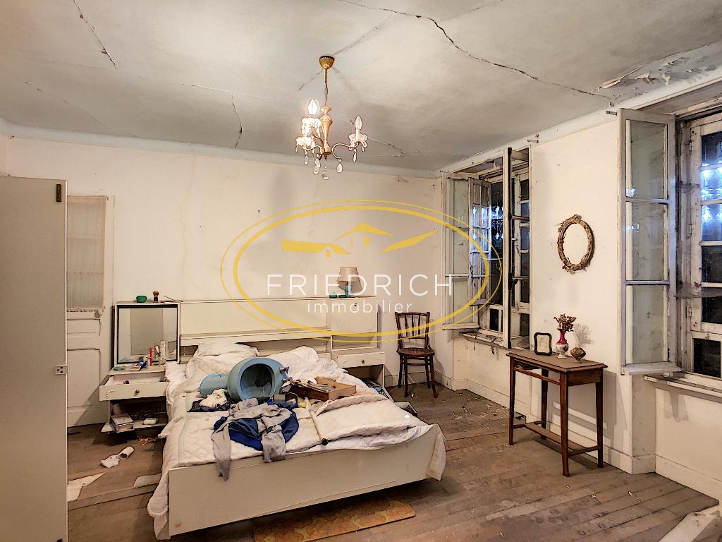A vendre Maison LACROIX SUR MEUSE 39.000 10 piéces