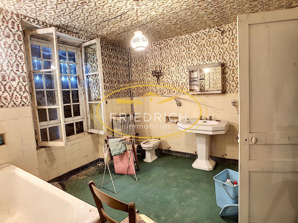 A vendre Maison LACROIX SUR MEUSE 300m² 39.000