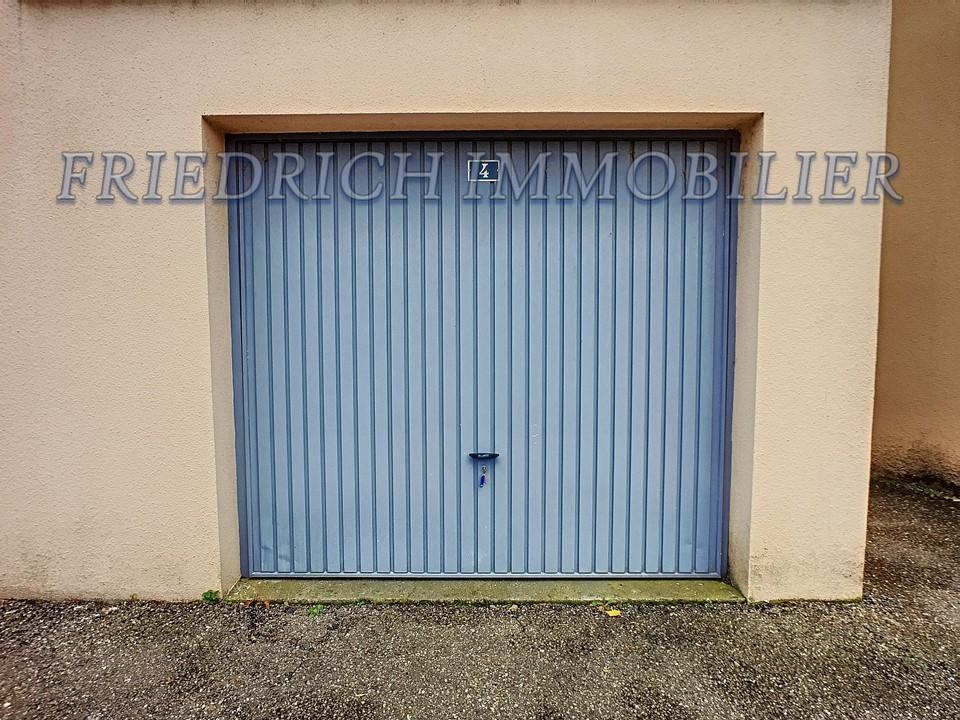 A louer Parking / box COMMERCY  piéces