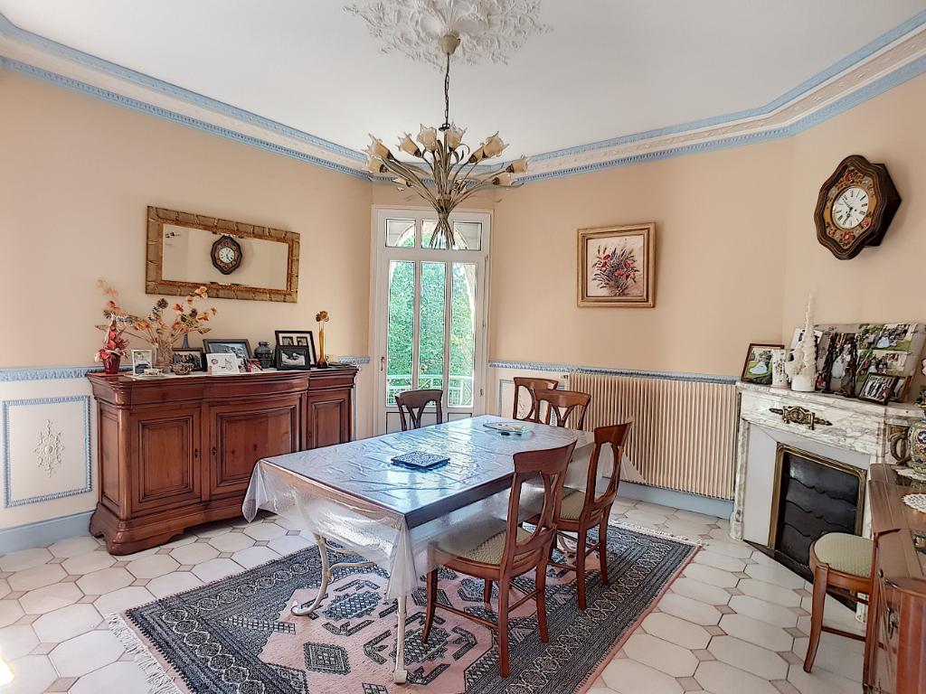 A vendre Maison SAINTE MENEHOULD 269.000 9 piéces