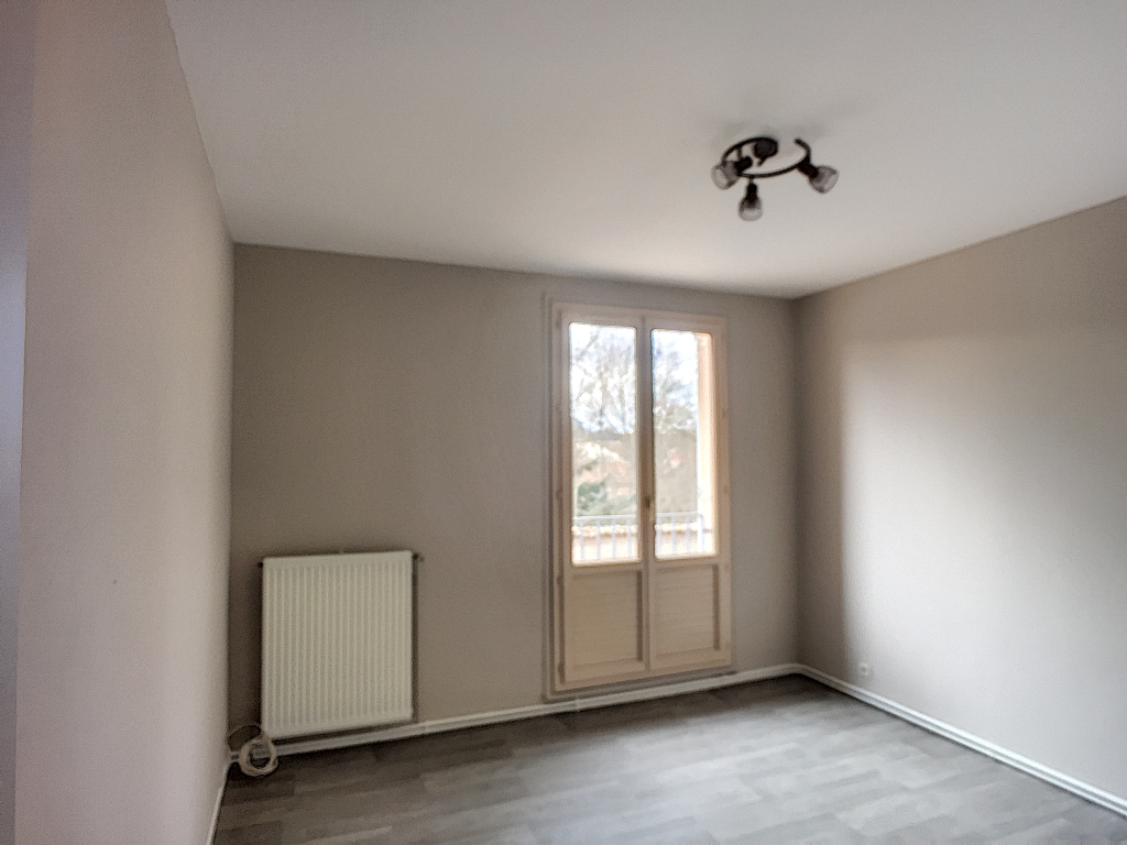 A louer Appartement COMMERCY 85m² 550