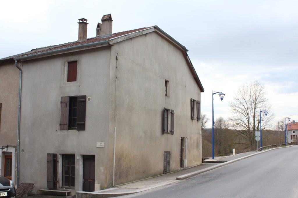 A vendre Maison GONDRECOURT LE CHATEAU 156m² 27.000 8 piéces