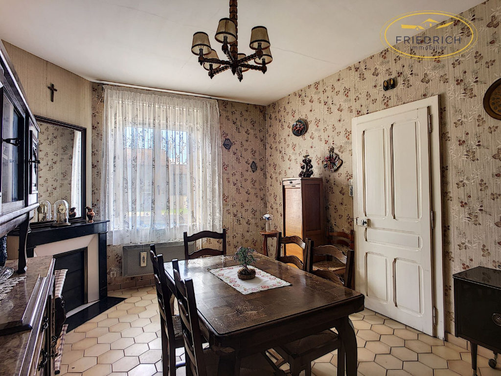 A vendre Maison LACROIX SUR MEUSE 140m² 145.000 7 piéces