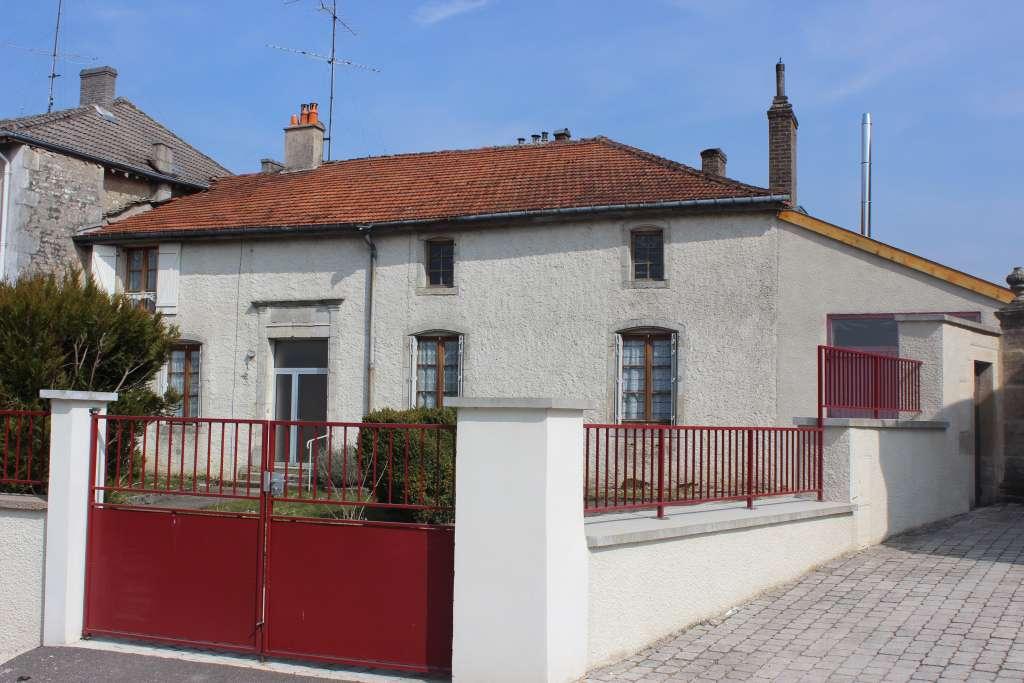 A vendre Maison GONDRECOURT LE CHATEAU 205m² 100.000