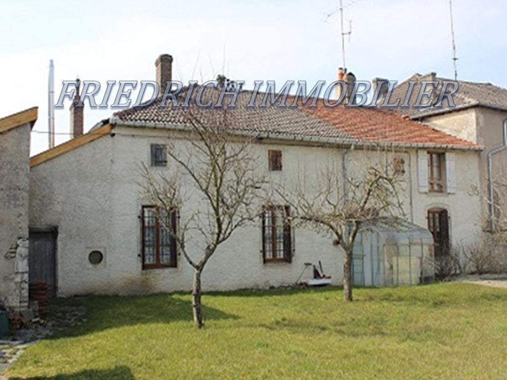 A vendre Maison GONDRECOURT LE CHATEAU 75.000 9 piéces