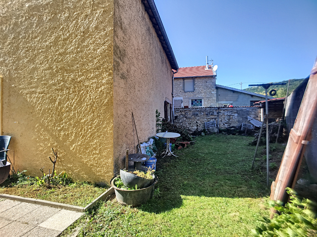 AGREABLE MAISON DE VILLAGE - Proche ST MIHIEL