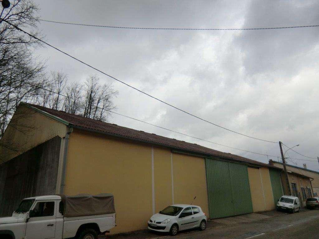Immeuble à usage de bureaux et d'entrepots - Région SAMPIGNY