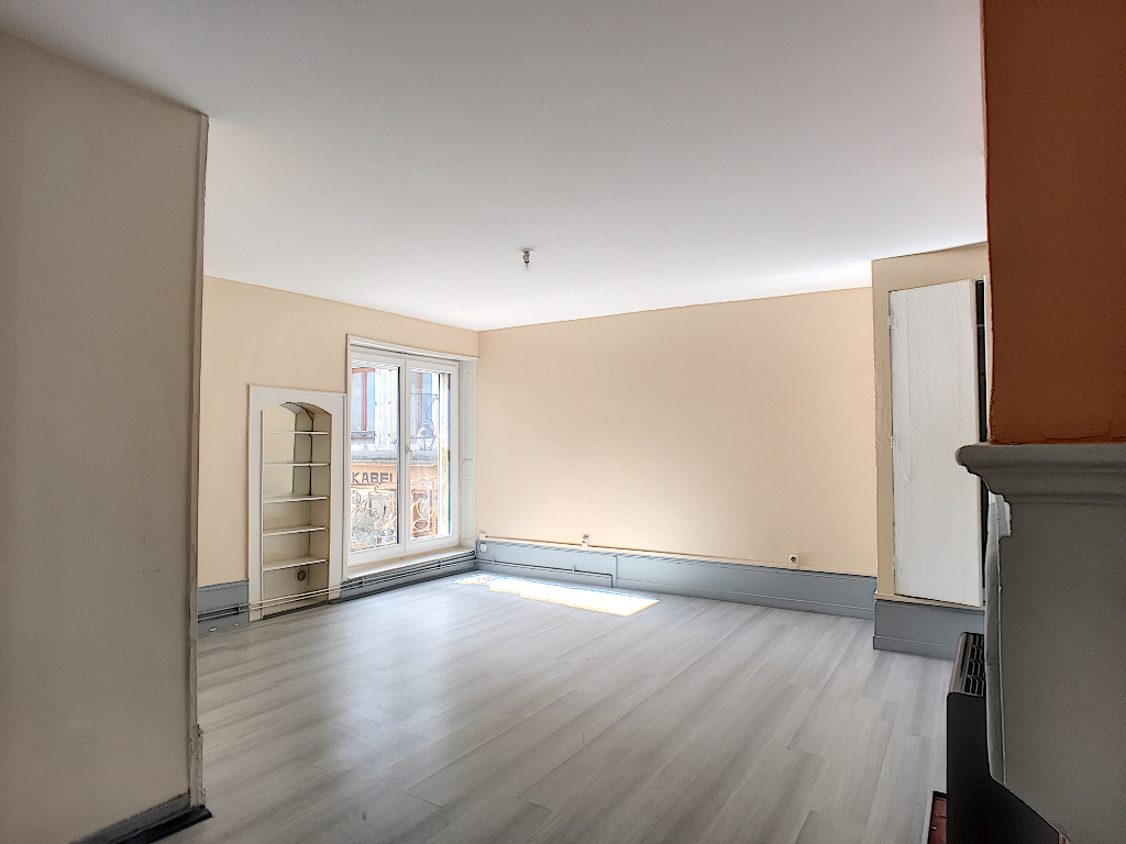 APPARTEMENT F2 - COMMERCY
